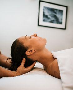 Deep Massage, Spa Massage, Facial Massage, Massage Oil, Massage Therapy, Massage Pictures, Remedial Massage, Pain Scale, Getting A Massage