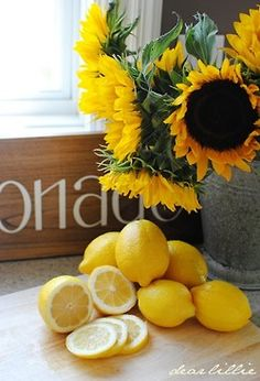 Two of my favorite things! Beautiful sunflowers and lovely lemons! Mix in vase and vola!