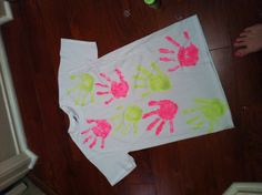 Cool fun thing to do with your friends for summer or just to make a t shirt for fun. hand prints with all of my friends :D want to do