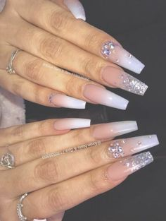 Semi-permanent varnish, false nails, patches: which manicure to choose? - My Nails Perfect Nails, Gorgeous Nails, Pretty Nails, Best Acrylic Nails, Acrylic Nail Designs, Nail Designs Bling, Nagel Bling, Fire Nails, Nagel Gel