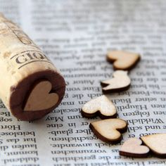 Stempel tutorial - stamp tutorial    Thin Wooden Decorations + Cork