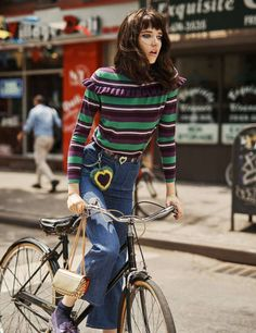 ELLE France August 2016 Photography: Steven Pan Styled by: Melanie Huymh, Hortense Manga Hair: Vi Sapyyapy Makeup: Violette Model: Grace Hartzel Foto Fashion, 70s Fashion, Fashion Trends, Fashion Ideas, Best Mens Fashion, Fashion Tips For Women, Flare, Cycle Chic, Bicycle Girl