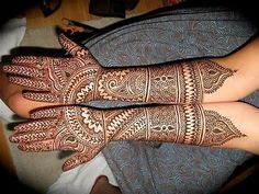 Mehndi will plays a vital role in the wedding or any other functions.Especially for womens will like to were mehndi for any occasions. Here Rajasthani Mehndi design will brings you tradition on your hands of the bride. Rajasthani Mehndi Designs, Indian Henna Designs, New Bridal Mehndi Designs, Dulhan Mehndi Designs, Mehandi Designs, Indian Mehendi, Tatoo Designs, Art Designs, Stylish Mehndi Designs
