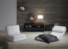 Lenestol/seng modell ZIP.  www.mirame.no #lenestol #seng #sovesofa #kunstskinn #hvit #møbler #stue #tvstue #gjesterom #sove #nettbutikk #butikk #mirame #interior #interiordesign #interiør #design #norsk #norge Relax, Home Design, Floor Chair, Bean Bag Chair, Furniture, Home Decor, Live, Places, Sleeper Couch