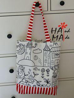 Letní taška na rameno pevná veselá taška ušitá z pevné silnější bavlněné látky, švy jsou zpevněny, vel.cca 35X 40 cm nosí se na rameni i v ruce z každé strany je jiná praní v pračce do města, k vodě, na nákup.....k džínám i šatičkám