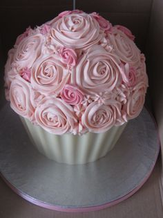 This looks amazing! Giant pink cupcake - giant cupcake with white chocolate shell & pink frosting