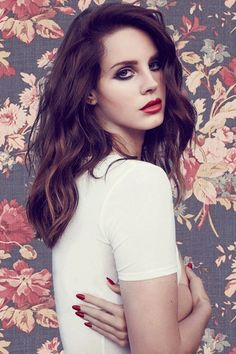 Image uploaded by ☁️. Find images and videos about Queen, lana del rey and lana on We Heart It - the app to get lost in what you love. Elizabeth Woolridge Grant, Elizabeth Grant, Queen Elizabeth, Divas, Enjoy The Little Things, James White, Photo Portrait, Plus 4, Her Style