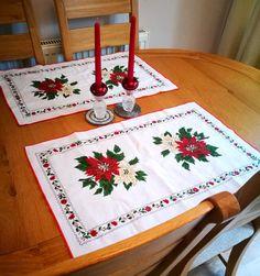Christmas placemats place mats, Pair Xmas table mats, Vintage holiday table linen, Christmas table decor, Poinsettia table decoration