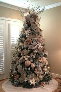 oversized ornaments make this an amazing tree rose gold christmas tree burlap on christmas - Black And Gold Christmas Tree