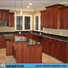 Kitchen paint option Dark granite kitchen countertop with maple cabinets. Black Granite Countertops, Granite Kitchen, Kitchen Countertops, Maple Kitchen, Dark Granite, Red Cabinets, Maple Cabinets, Wooden Cabinets, Kitchen Redo