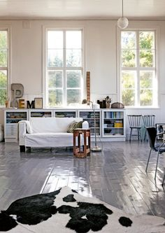 Floor - my scandinavian home: A Swedish artist's home in a former school house Living Etc, Home And Living, Living Spaces, Living Room, Living Area, Scandinavian Interior, Home Interior, Scandinavian Living, Interior Ideas