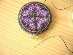 Двухсторонний кулон с кельтским орнаментом   biser.info - всё о бисере и бисерном творчестве