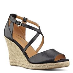com.ninewest.mobile://product/740359262413