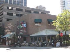 Gibson's Steakhouse, Chicago CA- perfect steak- best spinach anywhere and perfect pour