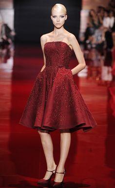 Elie Saab mê hoặc khán giả bằng BST lấp lánh sequin - Zing News | Thời trang