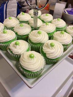Green, Mini , vanilla cupcakes Vanilla Cupcakes, Mini, Green, Desserts, Food, Tailgate Desserts, Deserts, Essen, Postres