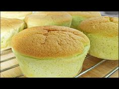 Pandan Coconut Steamed Muffins Recipe (Huat Kueh / Fatt Koh) 香兰椰丝发糕 | Huang Kitchen - YouTube
