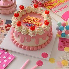 Pretty Birthday Cakes, Pretty Cakes, Beautiful Cakes, Amazing Cakes, Happy Birthday, Dessert Kawaii, Mini Cakes, Cupcake Cakes, Frog Cakes