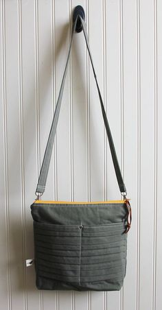 d59a4209122f Cross Body Purse with Front Pockets