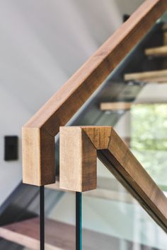 Nice idea for a modern banister - squared off instead of rounded and in a light colored wood. Gallery of Estrade Residence / MU Architecture - 13 Loh Yvonne stairs balustrade Nice idea for a modern b Stair Railing Design, Stair Handrail, Staircase Railings, Banisters, Stairways, Railing Ideas, Glass Stair Railing, Balustrade Design, Timber Handrail