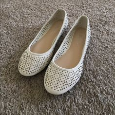 ✅CLEARANCE!Cute studded flats New cutout studded flats . Off white .Tiny marks on only one shoe (on the back) as shown in the picture . Not noticeable . Perfect for any outfit!!! Shoes Flats & Loafers