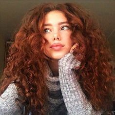 Big hair, center part, pick the top and sides except leave defined curls around face Curly Ginger Hair, Curly Red Hair, Red Hair Perm, Blonde Hair, Curly Hair Styles, Natural Hair Styles, Natural Red Hair, Red Hair Woman, Girl Hair