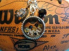 MIZZOU - Mississippi University!LOVE it! WANT it!!!  WANT IT FOR FREE?? Ask me how!   Need Extra Money?  Love Origami Owl ? JOIN MY TEAM!  Designer#53903  Like me on FACEBOOK www.facebook.com/PavliesCharms.OrigamiOwl  SHOP ONLINE @ http://pavliescharms.origamiowl.com/how-to-build.ashx