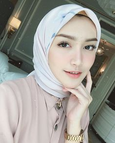 Casual Hijab Outfit, Hijab Chic, Beautiful Muslim Women, Beautiful Hijab, Moslem, Iranian Women Fashion, Girl Hijab, Muslim Girls, My Beauty