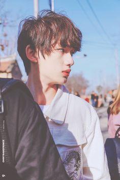 Korean Boys Ulzzang, Ulzzang Boy, Cute Korean, Korean Men, Asian Actors, Korean Actors, Human Reference, Asian Kids, Chinese Boy