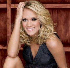 medium hair style-Carrie Underwood