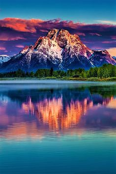 Need to see Mount Moran Sunrise by bern.harrison Mount Moran is a mountain in Grand Teton National Park of western Wyoming, USA. The mountain is named for Thomas Moran, an American western frontier landscape artist Beautiful World, Beautiful Places, Beautiful Pictures, Amazing Places, Grand Teton National Park, National Parks, Landscape Photography, Nature Photography, Photography Tips
