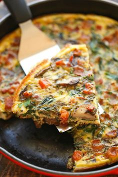 Bacon Mushroom Spinach Frittata - So quick, so easy and so perfect as a quick weeknight dinner or fancy brunch - and you can make it ahead of time too! sautéed a little onion with the mushrooms and added a little shredded mozz on top with the extra bacon. Bacon Stuffed Mushrooms, Bacon Mushroom, Stuffed Peppers, Bacon Recipes, Egg Recipes, Cooking Recipes, Paleo Bacon, Bacon Bacon, Shrimp Recipes