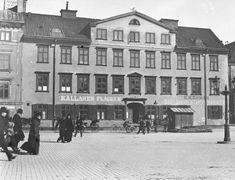 Nybrohamnen 24, nu ligger dramaten där i området, revs 1901