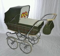 Ouderwetse Retro Koelstra Kinderwagen