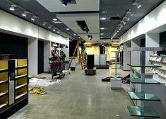 Empresa especializada en la instalación de equipamiento comercial y mobiliario corporativo en Canarias Closet, Home Decor, Tents, Armoire, Decoration Home, Room Decor, Interior Design, Closets, Home Interiors
