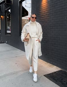 Loungewear Streetwear - White Wool Coat Outfit, White Matching Jogger Sweats Set, Athleisure Outfit Idea, Winter Loungewear Outfit, White Joggers Outfit Source by niebelnatalie - Street Style Fashion Week, Street Style Outfits, Looks Street Style, Mode Outfits, Look Fashion, Trendy Outfits, Korean Fashion, Fall Fashion, Look Athleisure