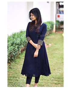 Silk Kurti Designs, Simple Kurta Designs, Salwar Neck Designs, Kurta Designs Women, Stylish Dresses For Girls, Stylish Dress Designs, Designs For Dresses, Girls Dresses, Dress Indian Style