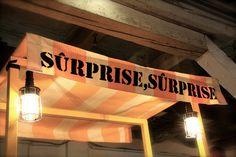 Surprise, Surprise!   Stadtbekannt Wien   Das Wiener Online Magazin Surprise Surprise, Broadway Shows, Neon Signs, City
