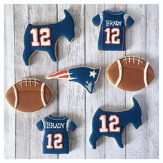 When Dad asks for patriots cookies, you obviously send him goats 🙌🏻 Happy (early) Birthday ❤️💙🐐 . Oat Cookies, Royal Icing Cookies, Cupcake Cookies, Sugar Cookies, Happy Early Birthday, Football Cookies, Custom Cookies, Patriots, Cookie Decorating
