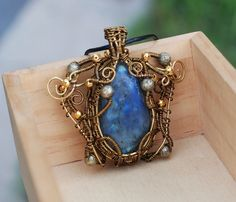 Heady Wire Wrap Necklace Gray Blue Labradorite Freeform Wrap Artisan Necklace #Jeanninehandmade #Pendant