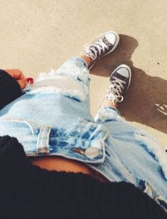 ripped jeans + chuck t's