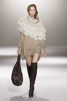 If we can make the poncho longer we are good to go....and then I'd give it ✭✭✭✭ cashmere...STEFANEL