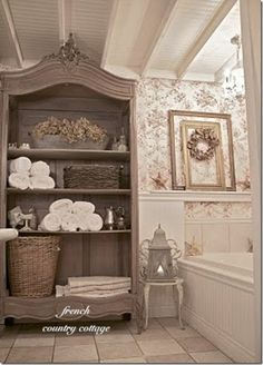 bathroom french-country-cottage