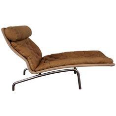 Arne Vodder; Leather and Aluminum Chaise Longue for Erik Jorgensen Mobilfabrik, 1960s.