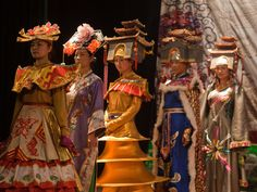 xining-china-dangr-traditional-chinese-town-v-the-traditional-dress-of-many-chinese-ethnic-people