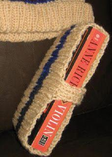 Free+Knitting+Pattern+-+Cozies%3A+Transit+Book+Cozie