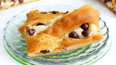 Start the weekend on a sweet note. This easier-than-it-looks breakfast pastry is made with five simple ingredients.