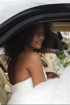 Vincent Cassel und Tina Kunakey verheiratet: Fotos von Ja – Braut Make Up Wedding Images, Wedding Tips, Wedding Bride, Wedding Events, Wedding Day, Budget Wedding, Wedding Book, Wedding Ceremony, Vincent Cassel