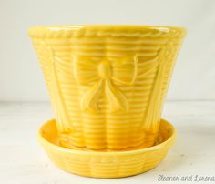 Vintage Shawnee flower pot / Shawnee pottery / Shawnee USA / vintage planter / mid century pottery / vintage flower pot / yellow bow pottery by FancythatFrancine on Etsy