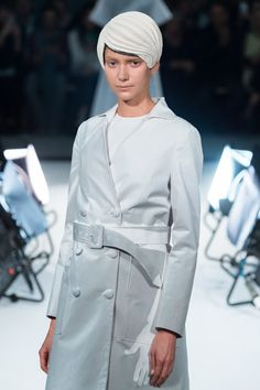 """ANREALAGE 2015SS """"SHADOW"""" - Runway at Beaux-Arts Salle Melpomene in Paris and stage effects was rhizomatiks"""